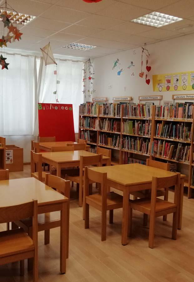 Biblioteca EB JI N4 Penha